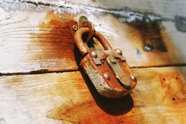 access-antique-bolt-close-277574